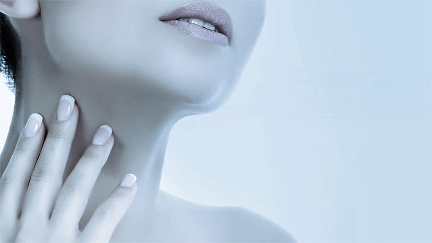 Modella trattamento viso antirughe