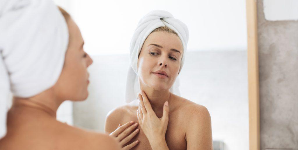 Rughe sul collo come prevenire il Tech neck