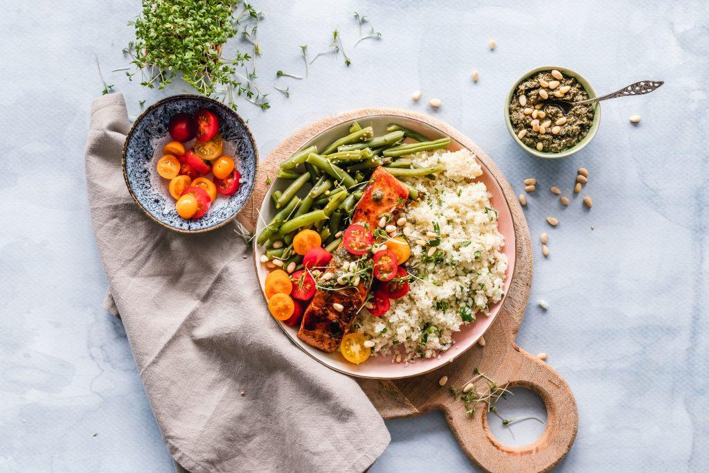 Cosa mangiare a tavola per contrastare la cellulite