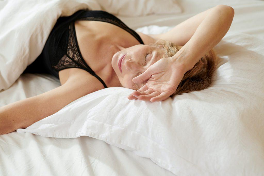 dormire con il reggiseno